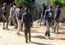 Société : Un groupe de jeunes SDF envahissent la rue derrière le Rectorat
