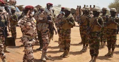 G5 Sahel : Mahamat Idriss Déby galvanise le contingent tchadien à Téra
